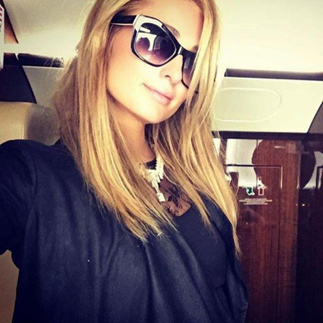 @parishilton 🔥😜👍🏼 #RoyFireNewYork 🙌🏼 #NYC #Fashion #TBT #royfire #sunglasses #parishilton 😎