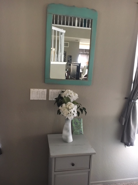 This mirror and table were a perfect fit for our entryway. $5.00 and $10.00 respectively.