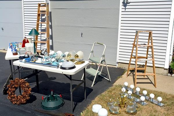 garage sale 2.jpg