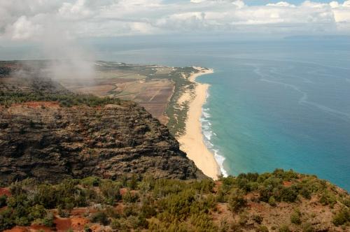 Polihale Beach from above, western Kauai, Hawaii