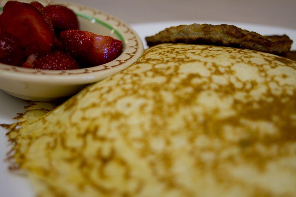 strawberry pancakes.jpg