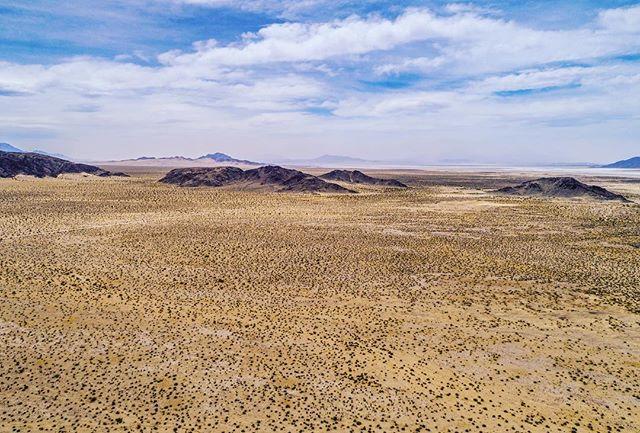 #Skycraft #aerialphotography #dronephotography #djiglobal #djicreator #desert #ca #beautifuldestinations #igers