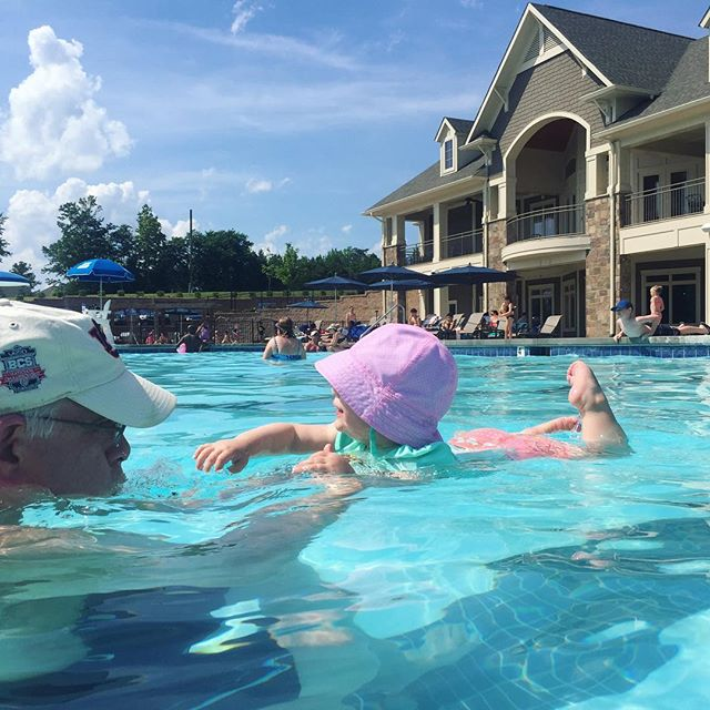 The ultimate pool day, part 2 : post afternoon nap ... blowing bubbles with pops.