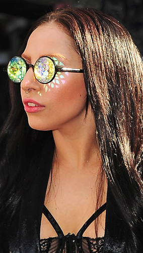 ladygaga_kaleidoscopeglasses2