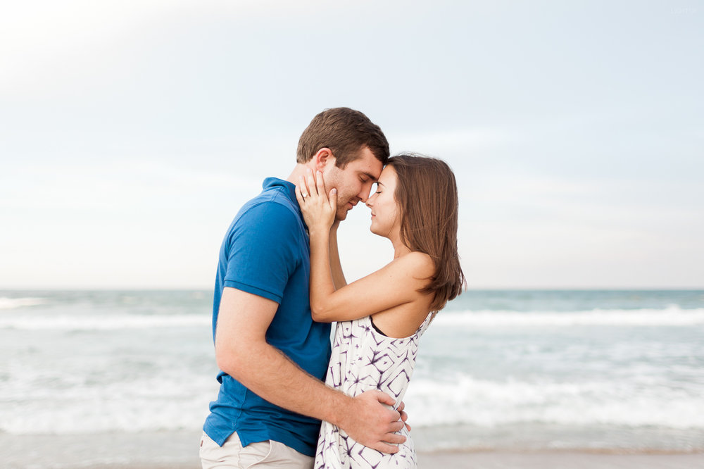 florida-beach-engagement