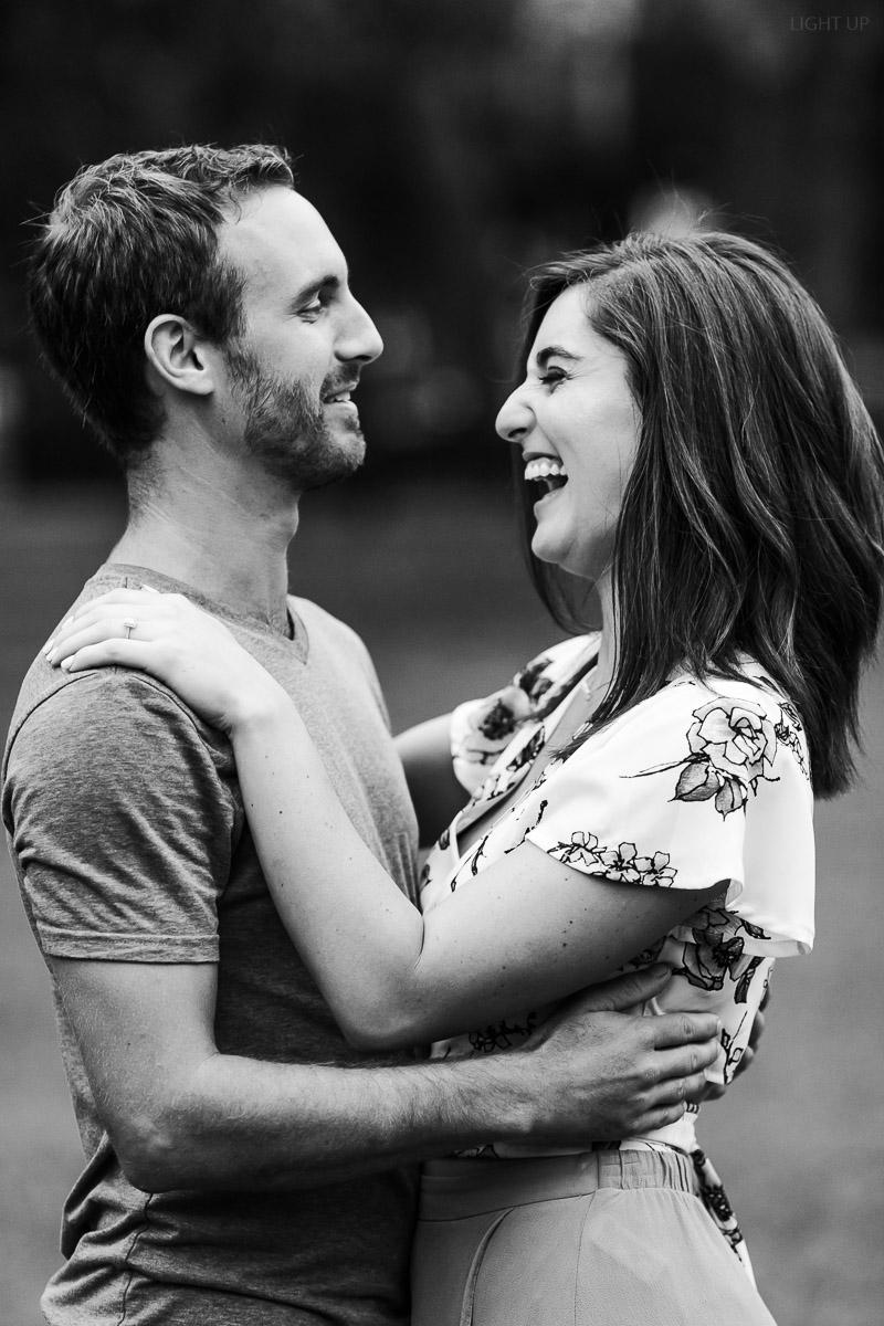 romantic-engagement-photos-in-orlando-2.jpg