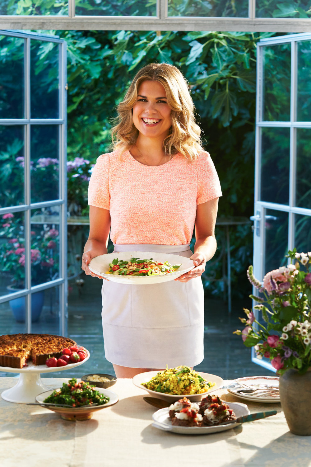 ORION BOOKS Madeleine Shaw 'Ready Steady Glow'