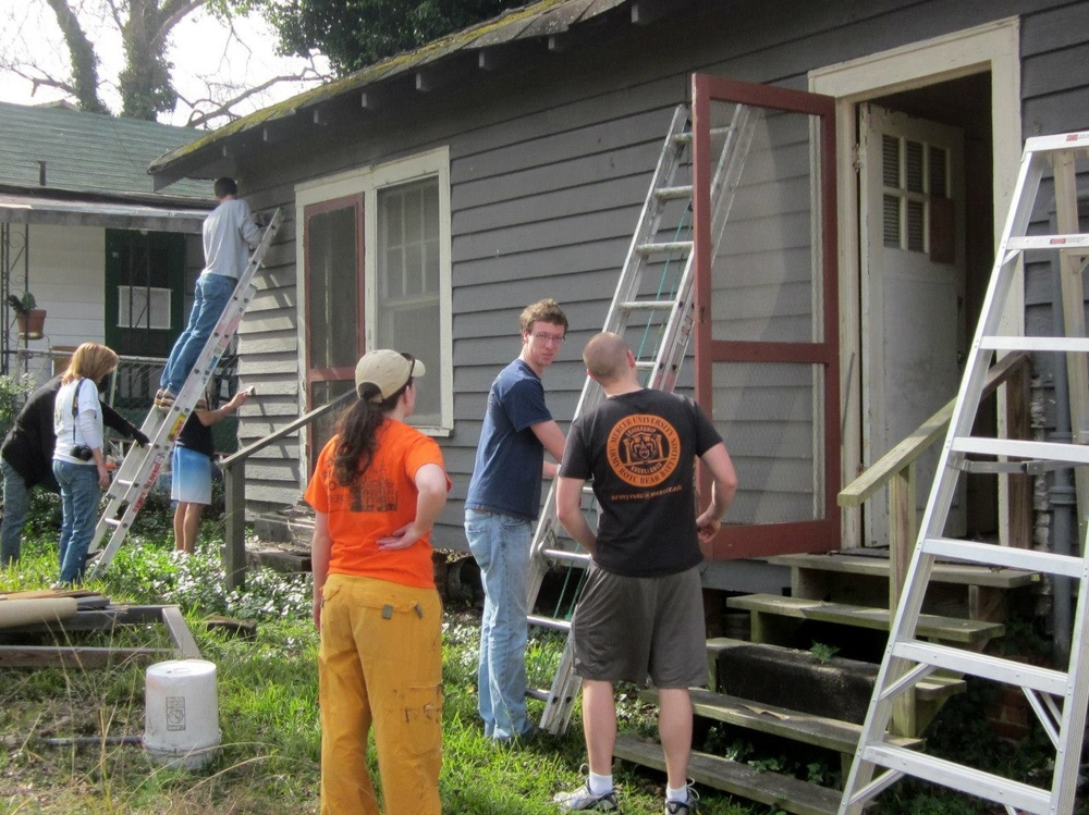 LEAP volunteers work on Birch Street.jpg