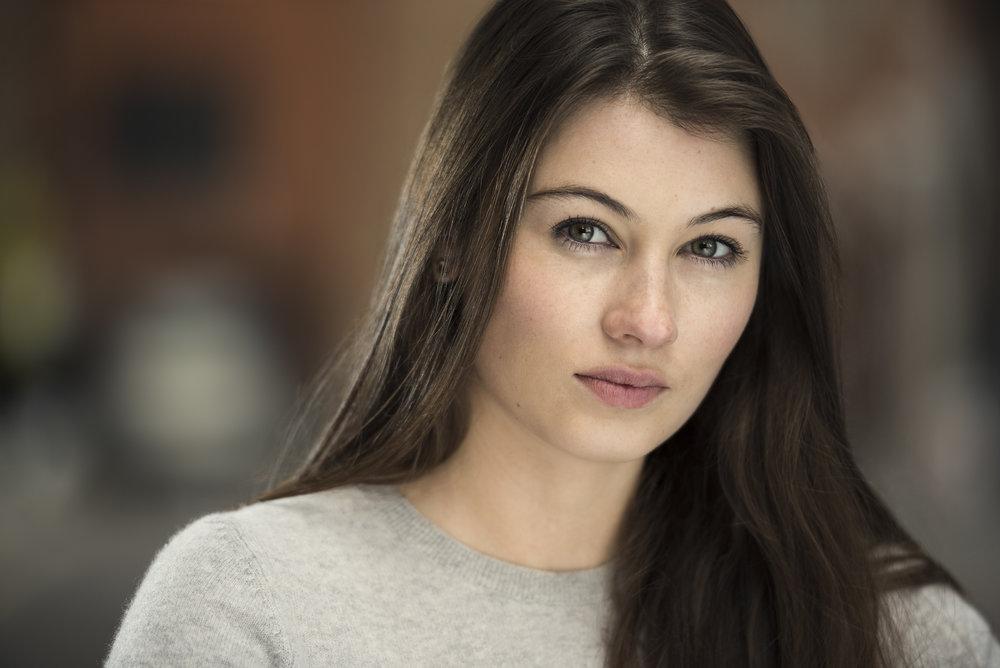 florence---actress-headshot-explored_23099929054_o.jpg