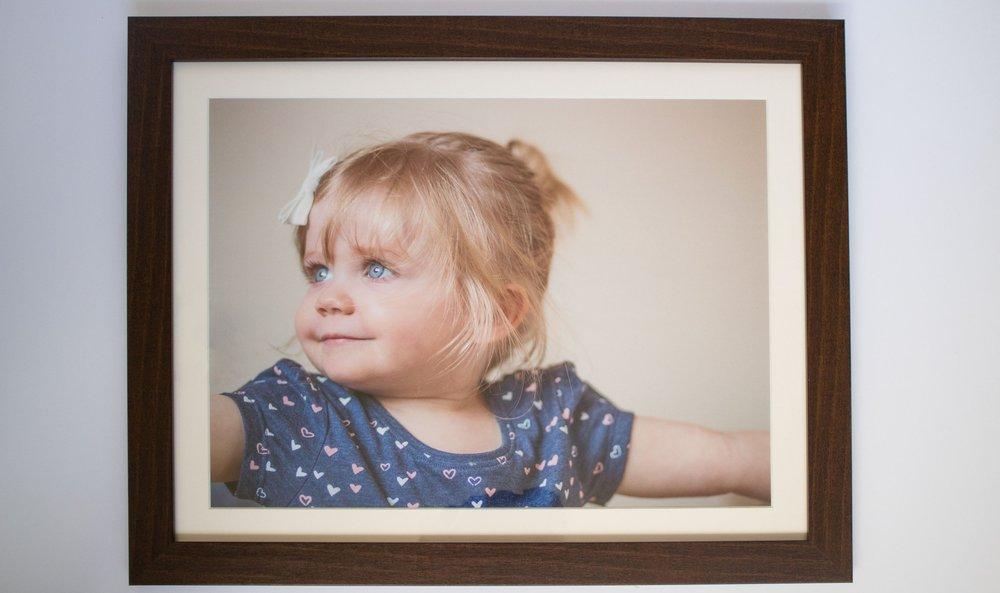 catherine-tuckwell-photography-16x12-frame-mahogany
