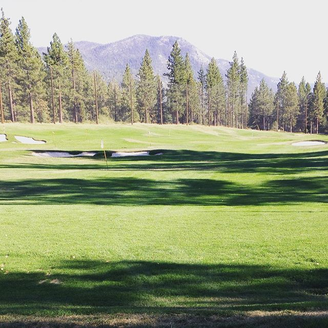Gorgeous driving range in Tahoe! Working on my swing 😀☀️