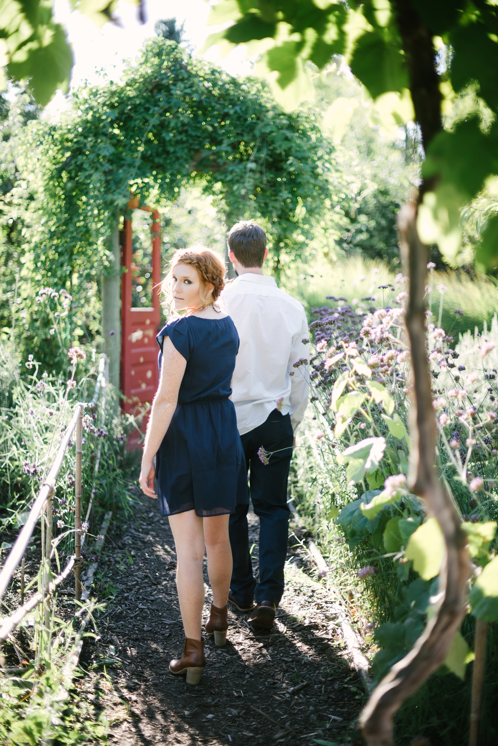 23-edgefield_engagement_fashion_photography_christa_taylor-73.jpg