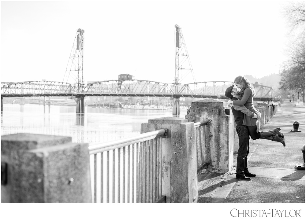 portland waterfront engagement photos_2426.jpg