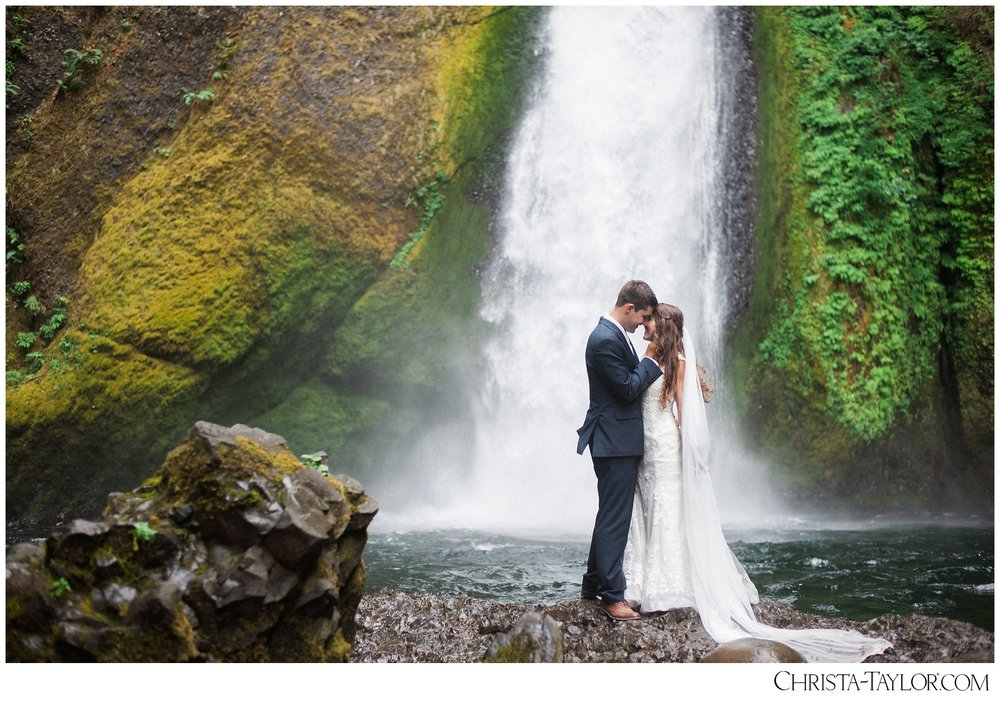 wahclella falls elopement_0627.jpg
