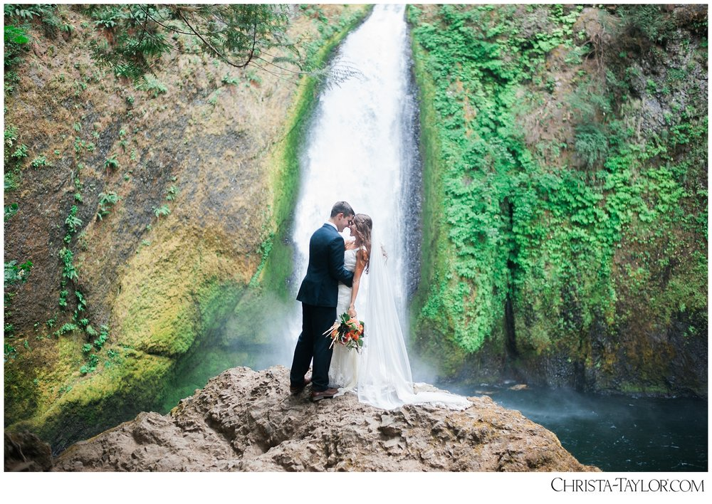 wahclella falls elopement_0628.jpg