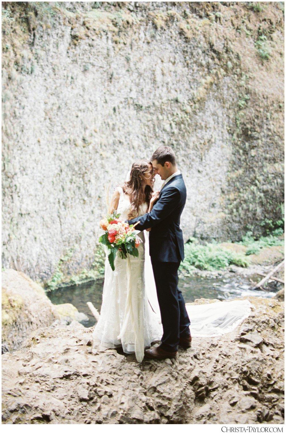 wahclella falls elopement_0630.jpg