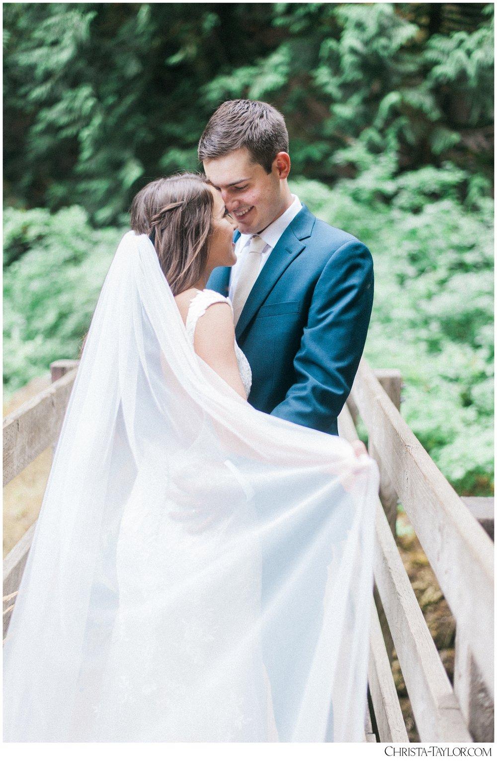 wahclella falls elopement_0632.jpg