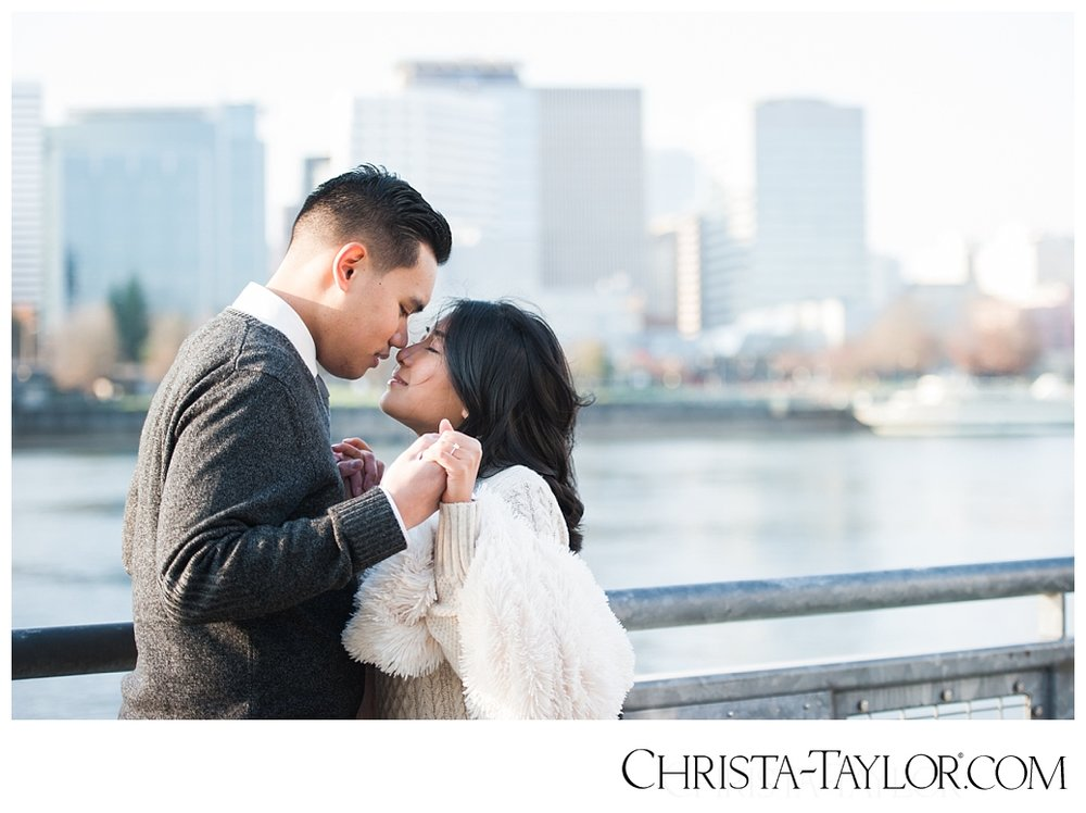 portland waterfront engagement photos_0815.jpg
