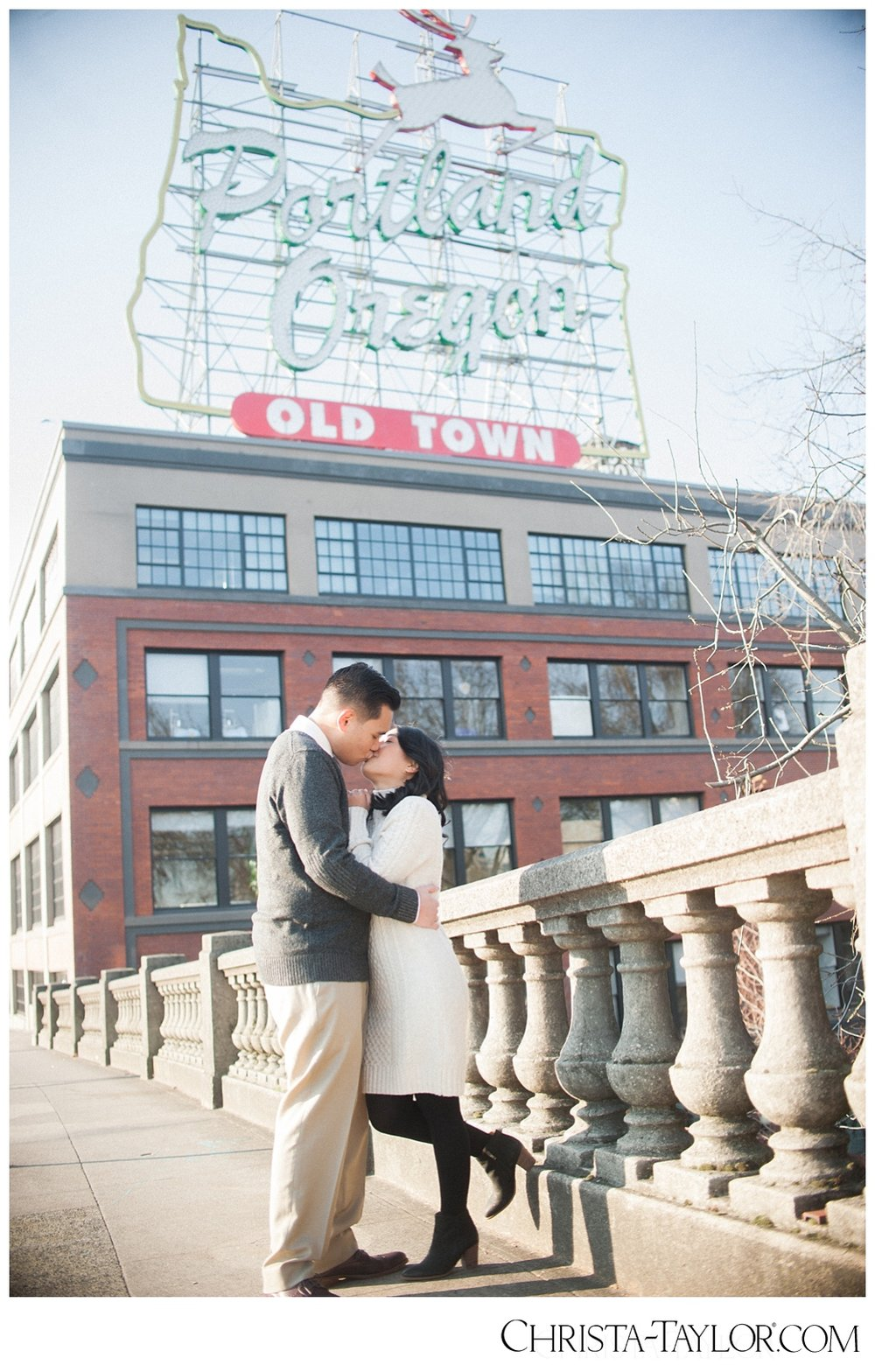 portland waterfront engagement photos_0817.jpg