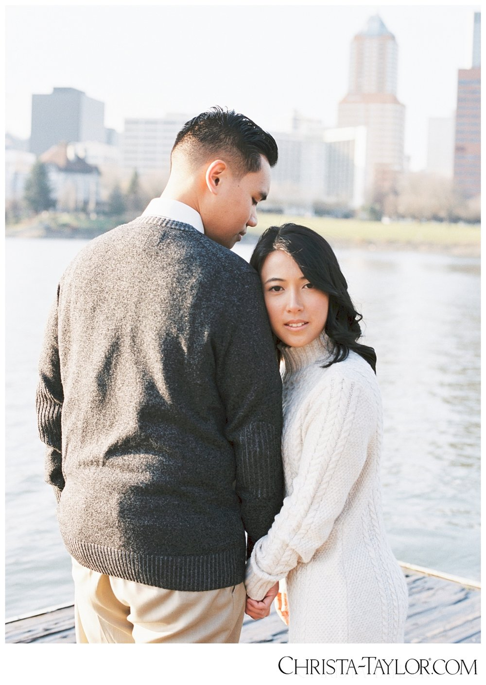 portland waterfront engagement photos_0827.jpg