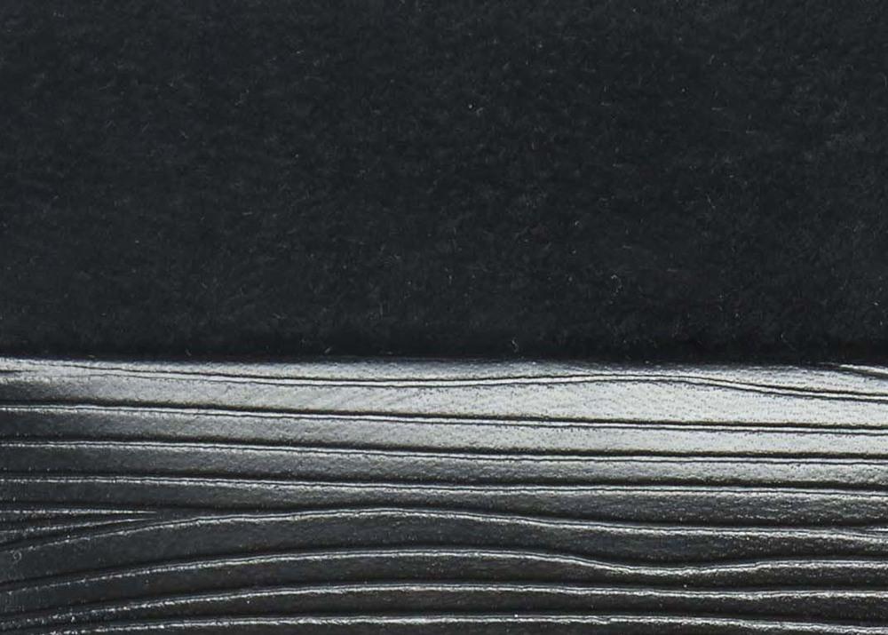 Wave Black lined black.jpg