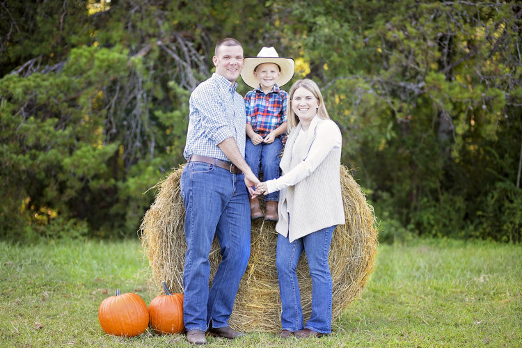 fall+family+pictures+pickens+sc+hay+pumpkins.jpeg