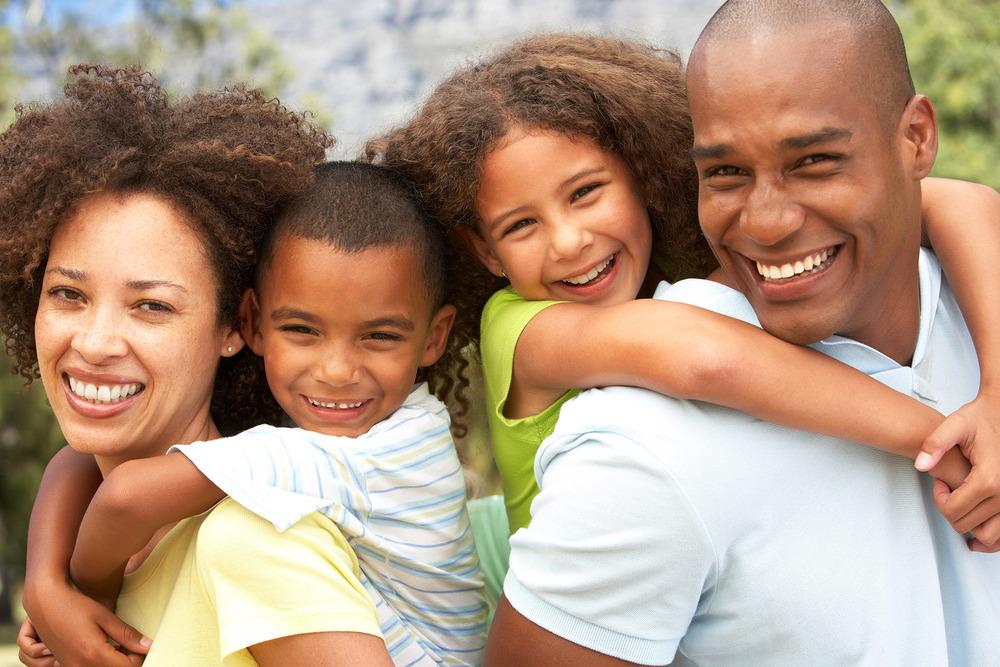 portraitofhappyfamilyinthe park24448439.jpg