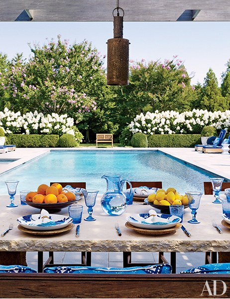 Chic tablescape (image from  Architectural Digest )