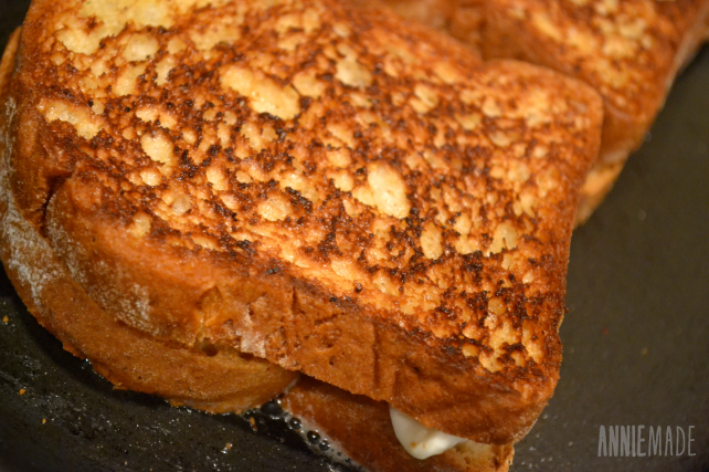 anniemade: Recipe for uber delicious grilled cheese starring dijon mustard and white wine