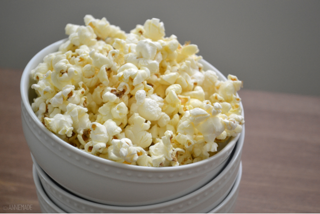 anniemade // Easy butter olive oil popcorn recipe