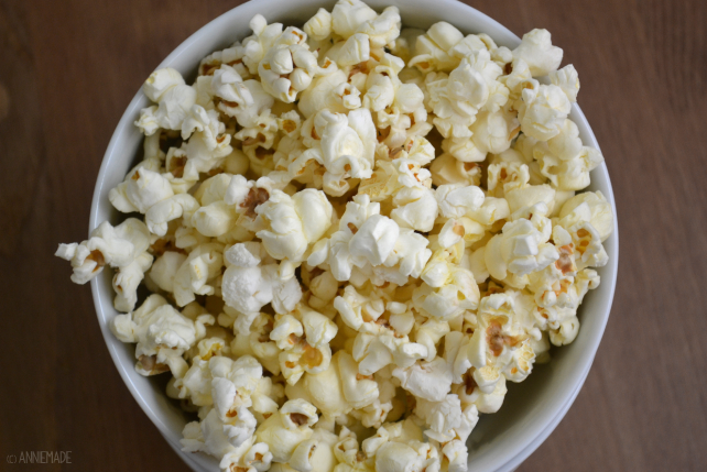 anniemade // Butter and Olive Oil Popcorn Recipe