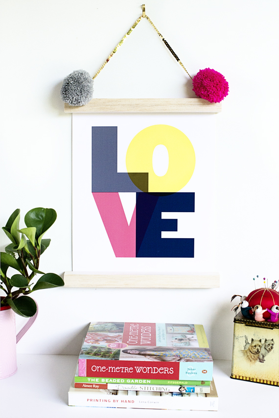 DIY 5 Minute Frame by Rachel Smith of Penelope and Pip - via anniemade