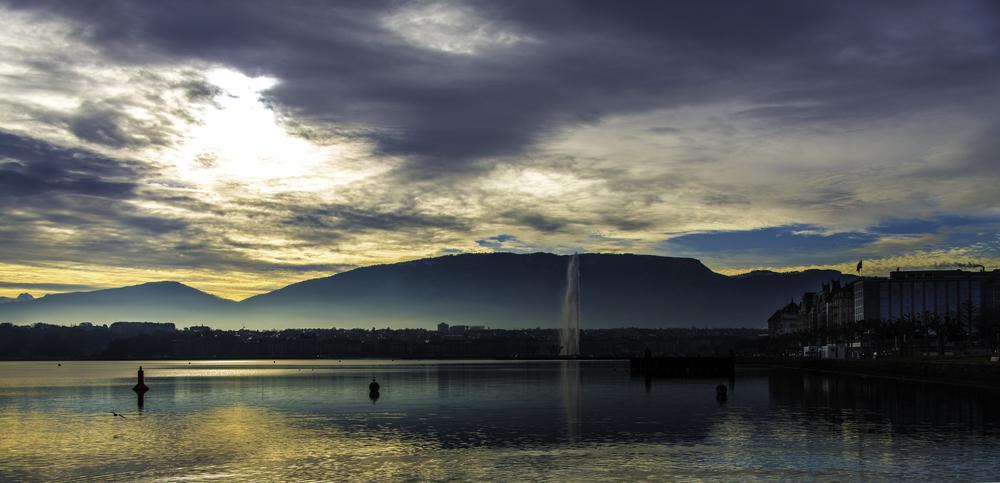 Женевское озеро встречает новый день