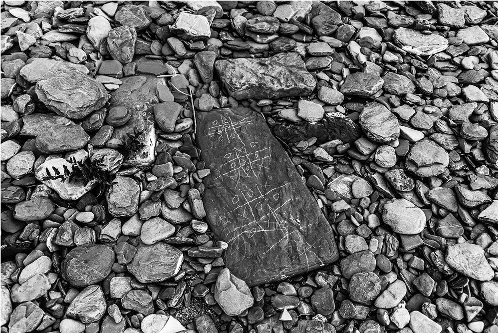 Каменные крестики-нолики