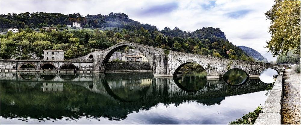 Мост Марии Магдалены, построенный в 1080-1100 гг. пример средневековой техники строительства (Тоскана)