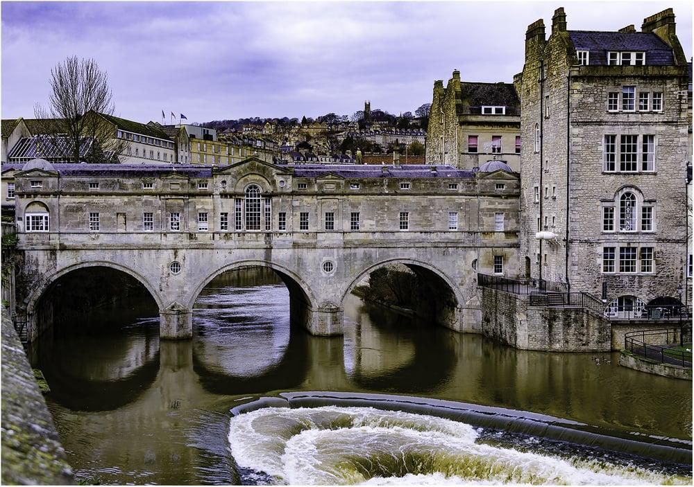 За основу моста Палтни (г. Бат, Великобритания) взяты венецианский Риальто и флорентийский Понте-Веккьо