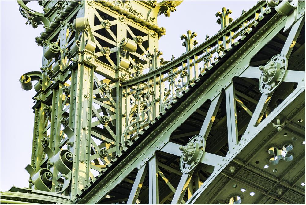Металлоконструкции моста Свободы (Будапешт)