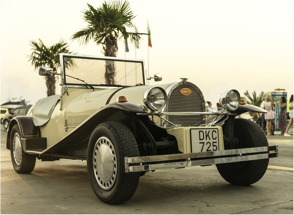 Bugatti Type 49 (1930 - 1934)