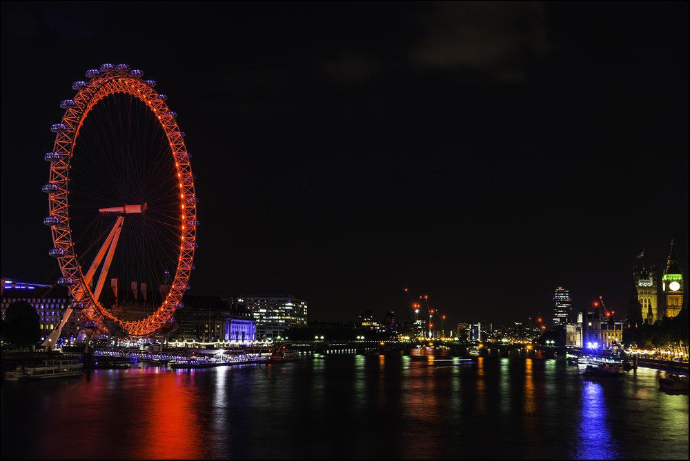 """Чтобы сделать этот снимок я """"привязал"""" мой гибкий штатив к Лондонскому мосту"""