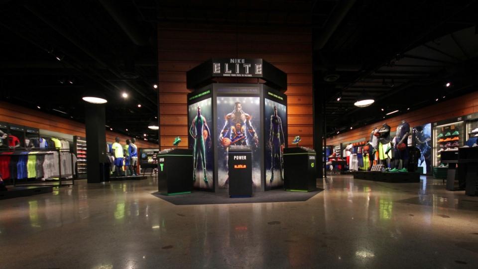 Nike, MOA - Lobby TV.jpg