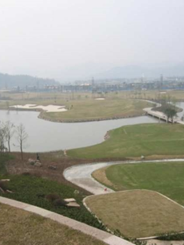 Jian Lake 18 tee.JPG