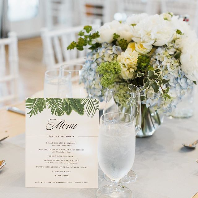 Pastel colors pop off of the elegant neutral palette of white washed and natural wood.  Design @jaysonmunndesign Event @jaclynwatsonevents Image @ashleylargesse #vermontwedding #stowewedding