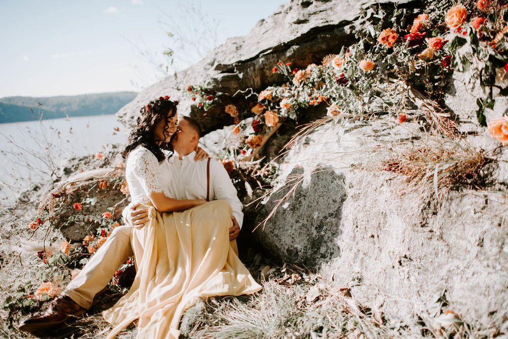 Shayla decorated into this entire cliff a dreamy floral design, like hello amazing?! Did I mention that she and I are both terrified of heights…. like this session was an ACT OF LOVE, ha.