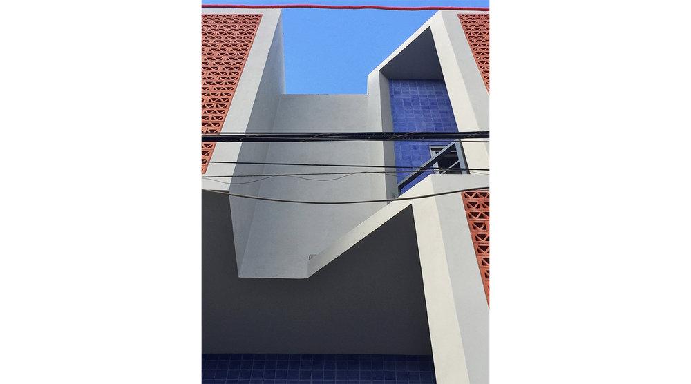 8 W.jpg