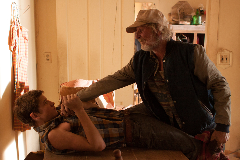 Tye Sheridan and Gary Poulter in Joe