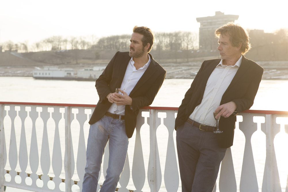 Ryan Reynolds and Ben Mendelsohn in  Mississippi Grind