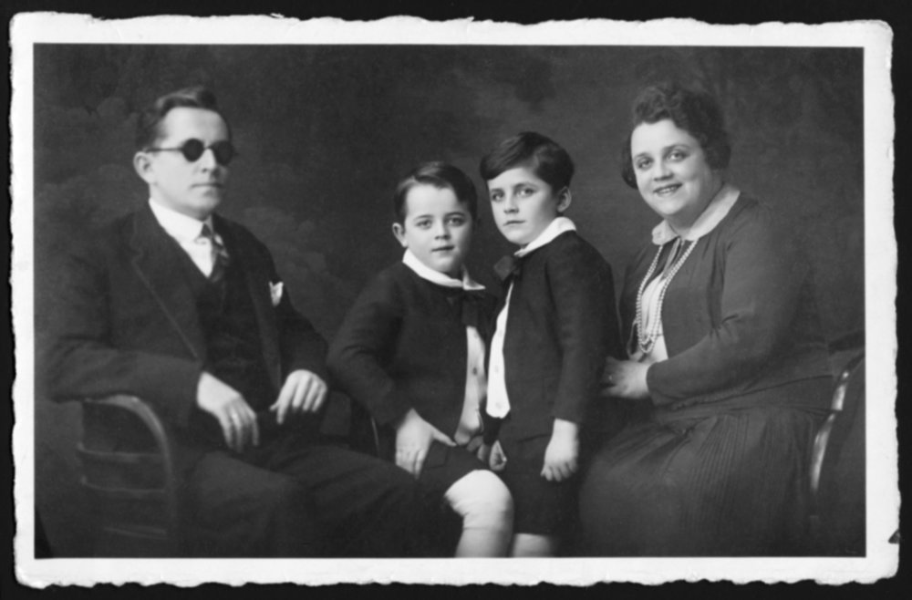 Jonathan Dean's great-grandfather David and family.