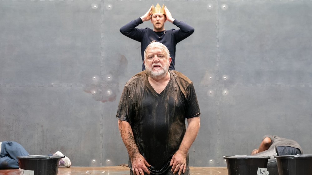 Leo Bill and Simon Russell Beale in  The Tragedy of King Richard II