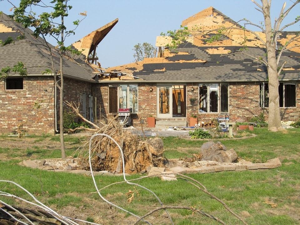 tornado-375135_960_720-min.jpg