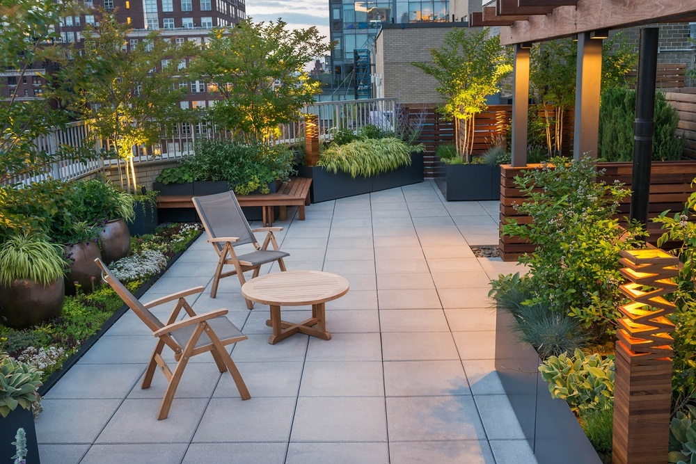 A rooftop garden on the Upper East Side designed and built by ECLLD.